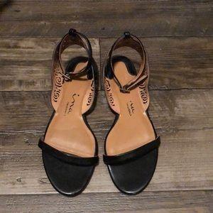 Nina Black flat sandals